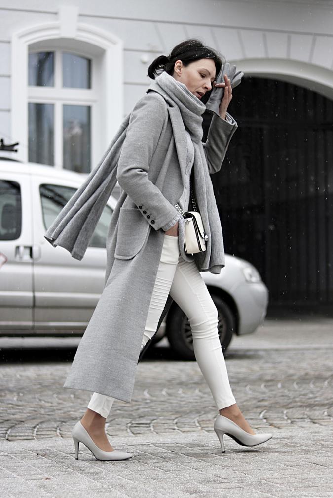 13f611c3c4bc4b Coat Woman (Minimalissmo. Blog modowy)