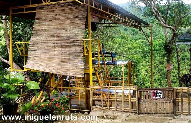 Cable-car-Río-Loboc-Bohol