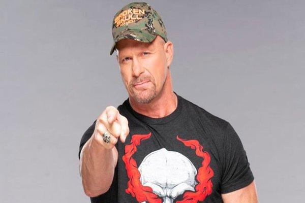 من سيكون نجما كبيرا في WWE مستقبلا برأي ستيف أوستن؟