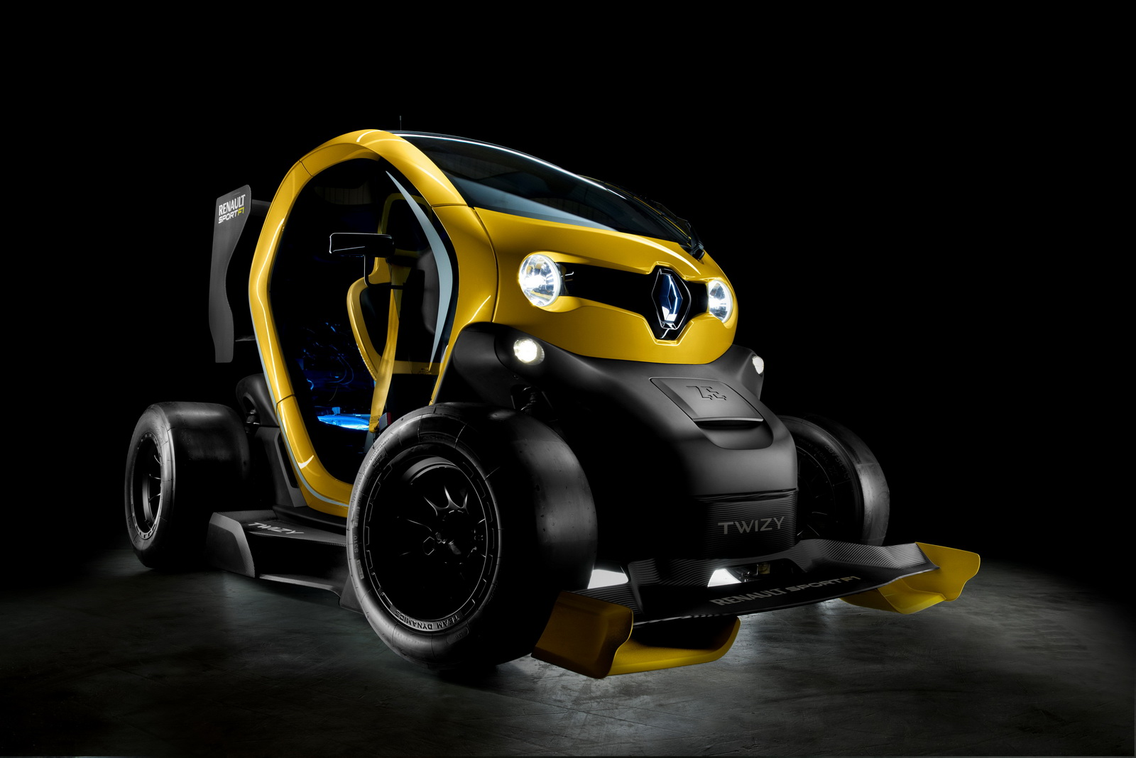 twizy renault sport f1 concept car. Black Bedroom Furniture Sets. Home Design Ideas