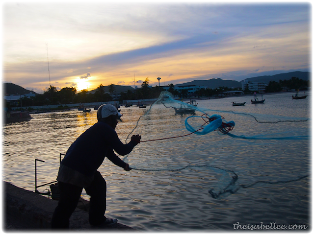 Fishing with a net at Hua Hin