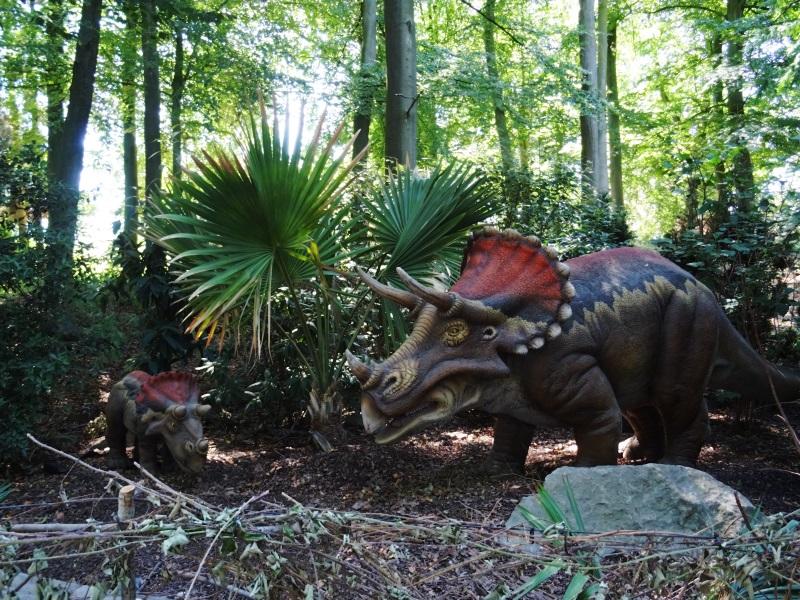 le monde des dinosaures à pairi daiza