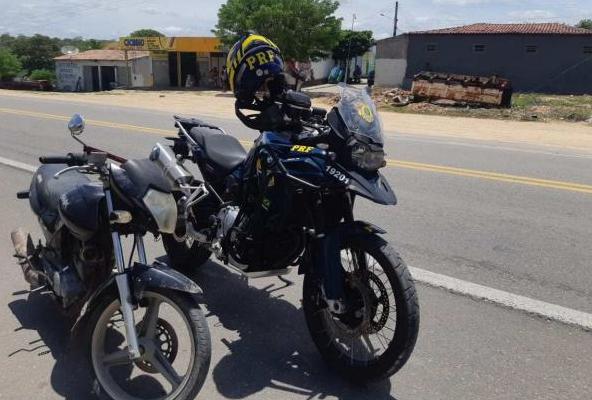 Em Dois Riachos, PRF flagra homem com  motocicleta  adulterada na BR–316