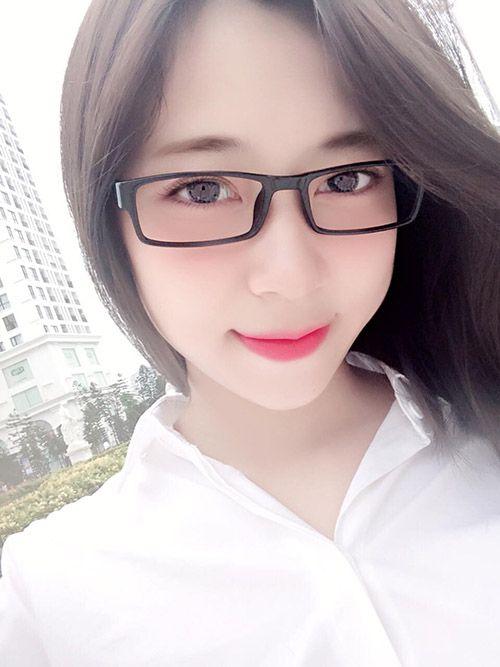 Hot girl Nguyễn Khánh Linh lộ clip là ai?