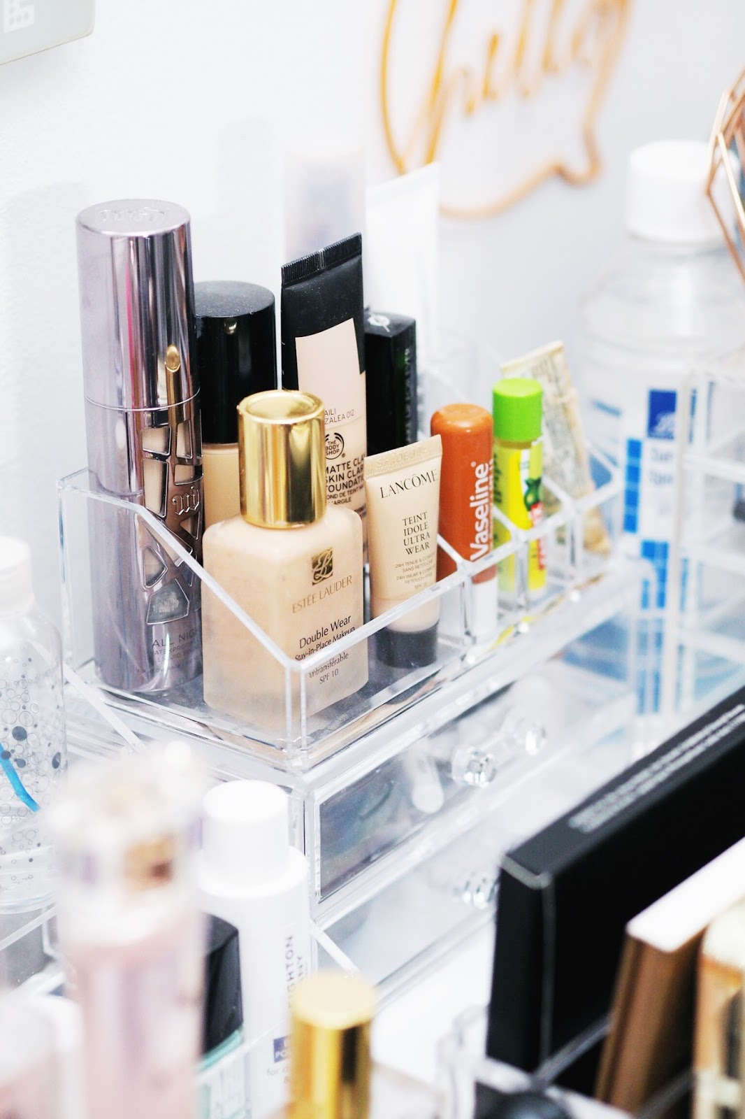 how to store makeup acrylic storage palettes organisation