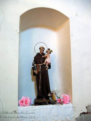 pedro-izquierdo-iglesia-hornacina-santo
