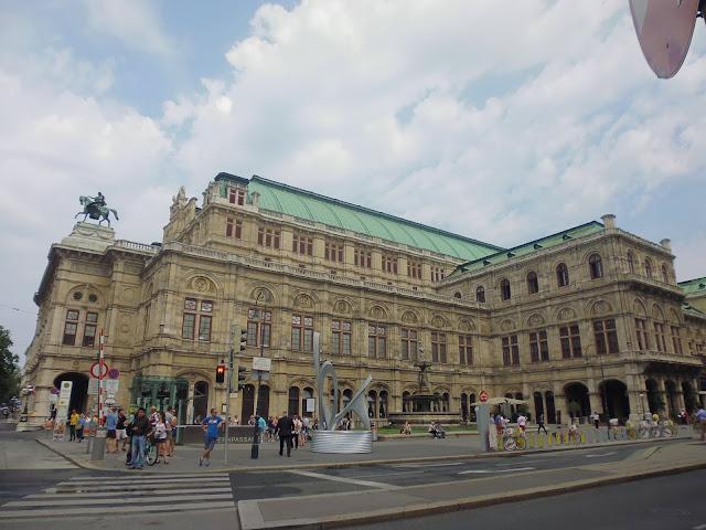 Ópera de Viena (Wiener Staatsoper) (@mibaulviajero)