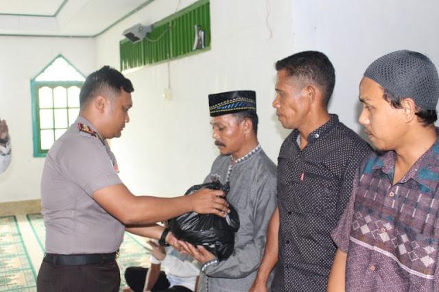 Rachmad Amsori Kunjunga Warga Muslim di Pulau Numfor