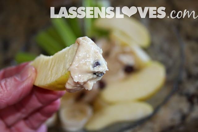 fruit+dip, veggie+dip, peanut butter+dip, yogurt+dip, healthy+snacks, easy+recipes