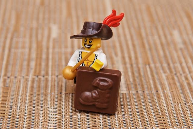 Lego - Advent Calendar - Calendrier de l'Avent - botte - boot - mousquetaire - d'artagnan - musketeer - epeist - épéiste - Lego - Chocolat au lait
