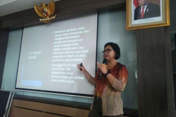 Pakar Hukum Tata Negara: Pengesahan UU Cipta Kerja Praktik Buruk DPR