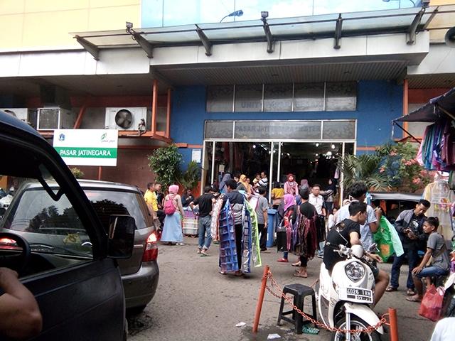 Cari Souvenir atau Perlengkapan Nikahan, Yuk ke Pasar Jatinegara Mester