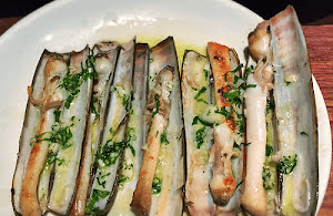 Razor clams with Garlic Salsa