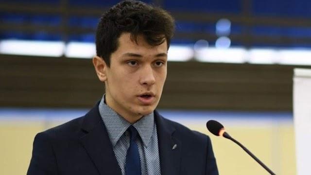 ΜΠΡΑΒΟ....!!Νεαρός από την ΘΕΣΣΑΛΟΝΙΚΗ ο Κωνσταντίνος Μαρκόπουλος έγινε δεκτός στο Yale ένα από τα κορυφαία πανεπιστημιακά ιδρύματα του κόσμου με υποτροφία 97%....!!