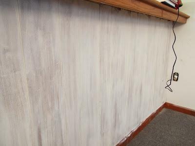 White Wash Wood Wall Knotty Pine