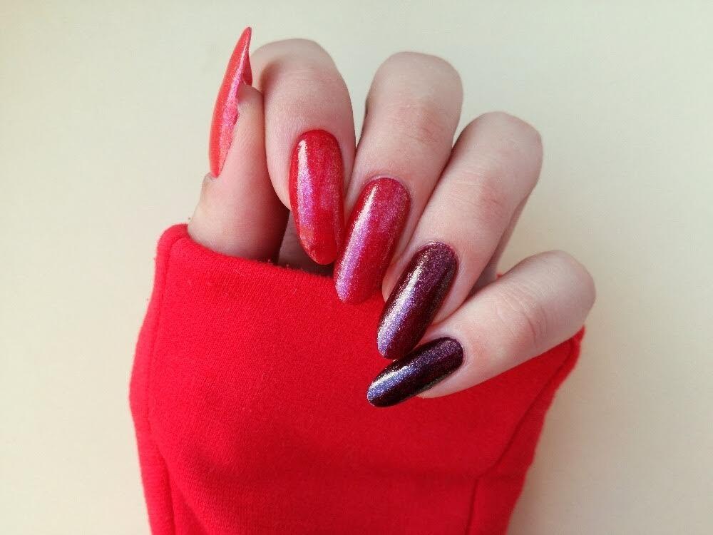 paznokcie do czerwonej marynarki