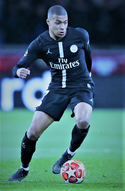 Sports: Zinedine Zidane Desperate To Sign PSG Star