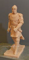 sculture modellini su commissione statuetta cavaliere da colorare realizzate a mano orme magiche