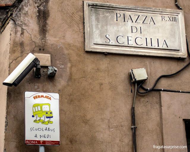 """Roma: ponto do """"ônibus escolar a pé"""" no Trastevere"""