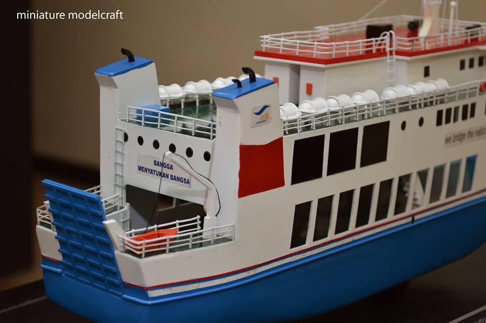 foto miniatur kapal ferry kmp muria terbaru
