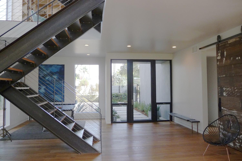 Uma casa moderna em los angeles design innova - Casa los angeles ...