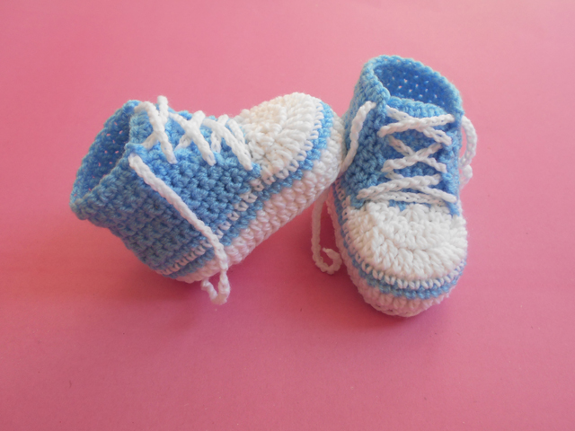 Crochet Crosia Free Patttern With Video Tutorials Baby Converse Unique Crochet Baby Booties Pattern Step By Step
