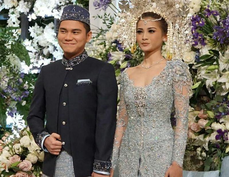 Foto Pernikahan Acha Septriarasa dan Vicky Kharisma  11 Desember 2016 - Pernikahan Artis Desember 2016 2