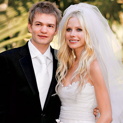 Something is. avril lavigne deryck whibley mine