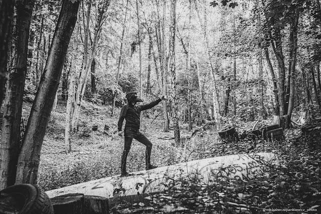 selfie w lesie