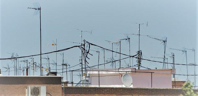 Elementos de fijación de las Antenas de Televisión - Radio | Características + Tipos