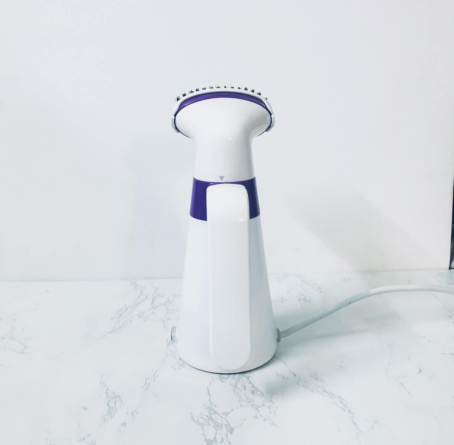 backside view of the inalsa hand steamer