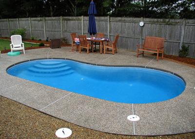 kolam renang sederhana