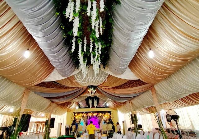 Dekorasi tenda dan  pelaminan modern untuk pesta resepsi pernikahan di rumah
