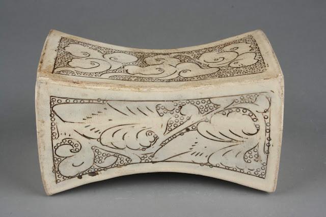 구름과 넝쿨무늬 베개, 북송(北宋, 960~1127), 자주요박물관