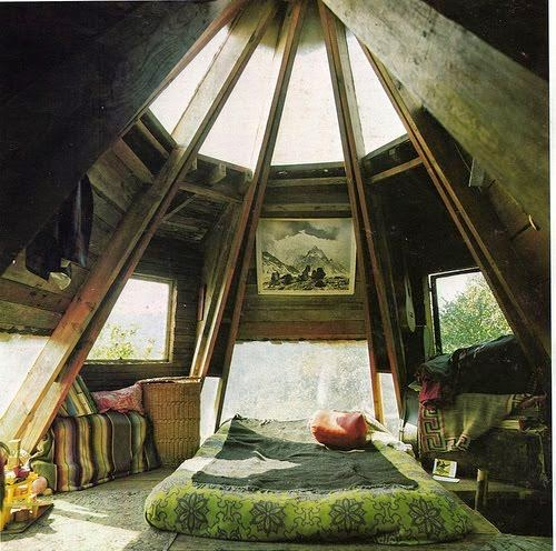 10 Cozy And Dreamy Bedroom With Galaxy Themes: Moon To Moon: 6 Dreamy Attic Bedrooms