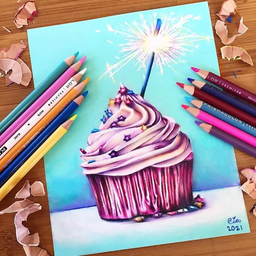 11-Cupcake-and-sparkler-Cia-www-designstack-co