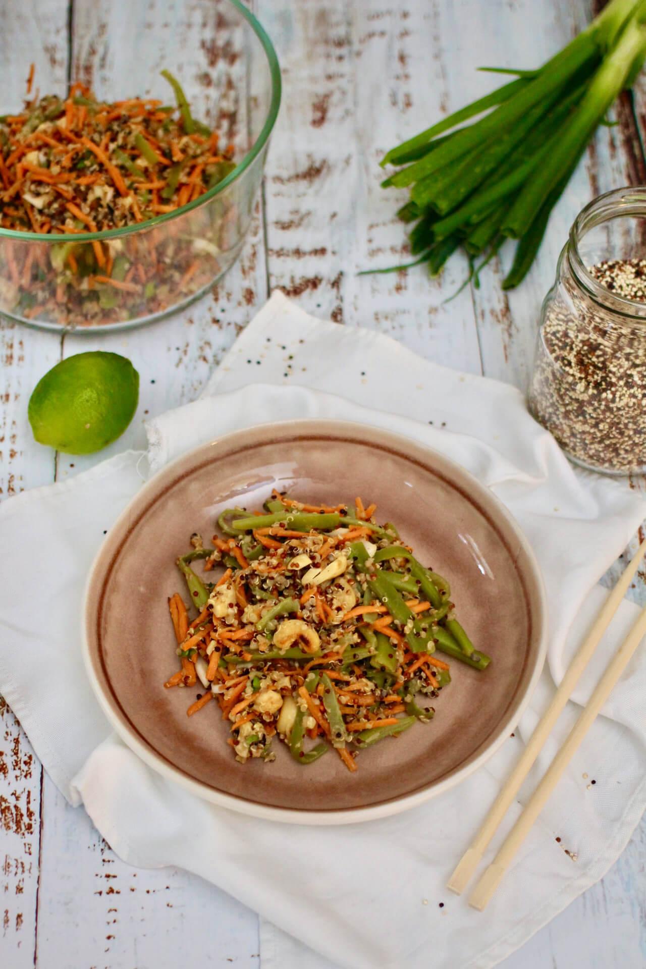Spicy Quinoa Cashew-Thai-Salat