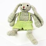 http://vinniscolourspatterns.co.za/wp-content/uploads/2016/02/P25-4CDJSD001-Sam-the-Bunny.pdf