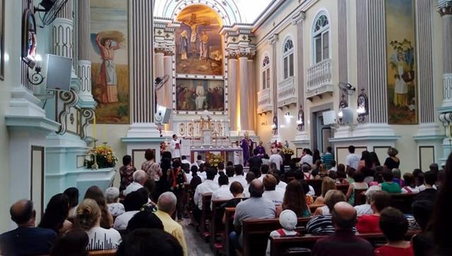 Telas do Santuário do Santíssimo Sacramento em Cantagalo são reinauguradas