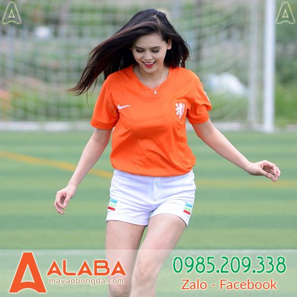 Áo bóng đá xịn màu cam cho bạn gái