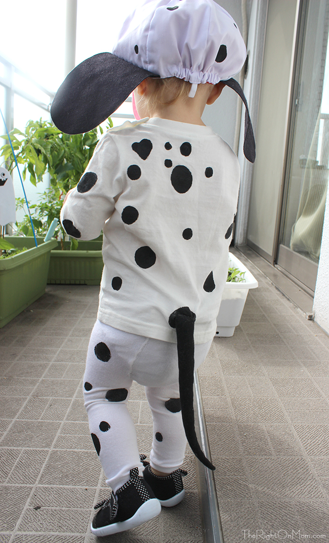 I created a tail out of the black fabric and filled it with stuffing. I attached the tails with safety pins so they were removable and this worked out fine. & The Right-On Mom Vegan Mom Blog: DIY Disney 101 Dalmatians Puppy ...