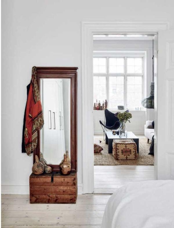 Un interior nórdico con piezas de herencia de estilo bohemio chicanddeco