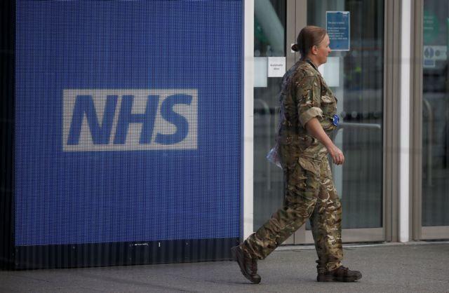 Βρετανία: Αν έχουμε ως 20.000 θανάτους «θα τα έχουμε πάει καλά»