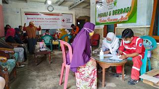 PMI Jember Gelar Bhakti Sosial Pasca Banjir   Pemeriksaan Kesehatan Secara Gratis dan membagikan Sembako