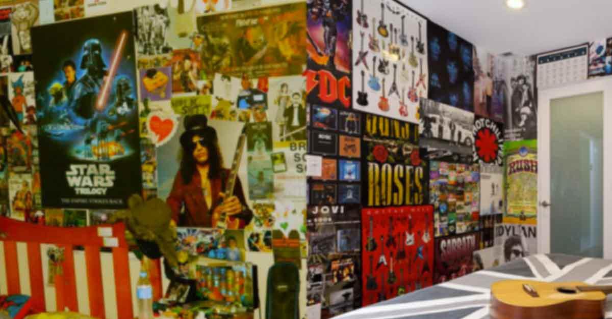 La cameretta anni '90 con i poster