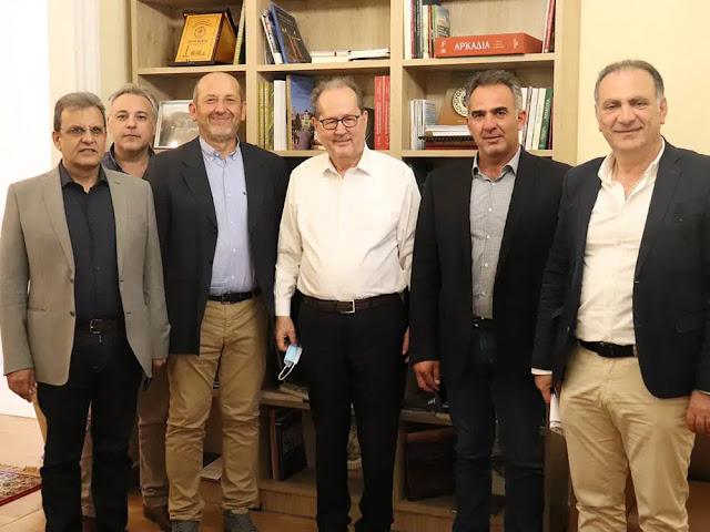 Με τους Προέδρους των Επιμελητηρίων συναντήθηκε ο Περιφερειάρχης Πελοποννήσου
