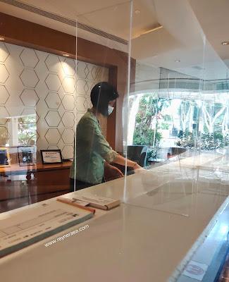 Resepsionis Elmi Hotel Surabaya