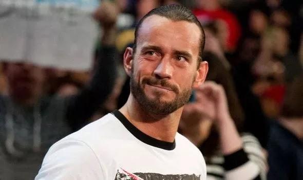 سي ام بانك يرد بشكل مضحك على معجب طلب منه العودة ل WWE ومواجهة جون سينا في راسلمينيا 36