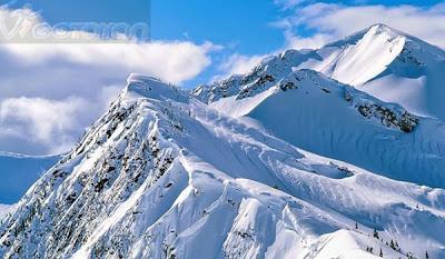 puncak-gunung-jayawijaya