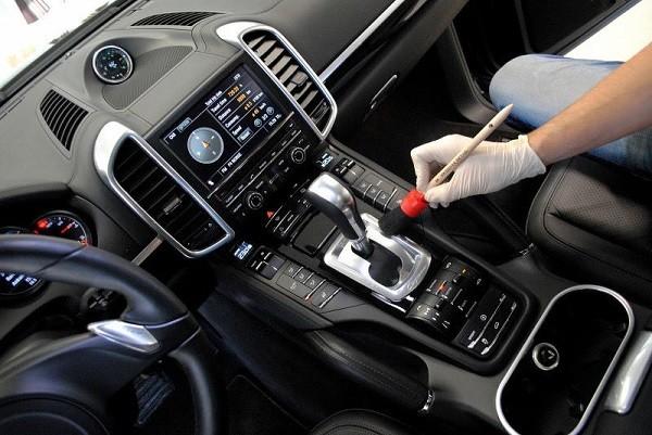 Đâu là nơi bẩn nhất trong ô tô?